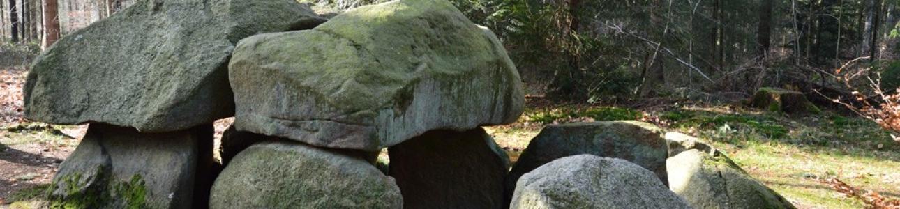 megalith-grab